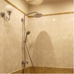 Душевая система Hansgrohe 220 Croma Showerpipe Reno 27224000